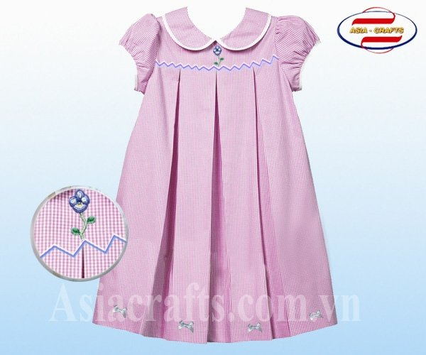 Embroidery and smocking dress (Buy smocked dresses, Get FREE bows!)