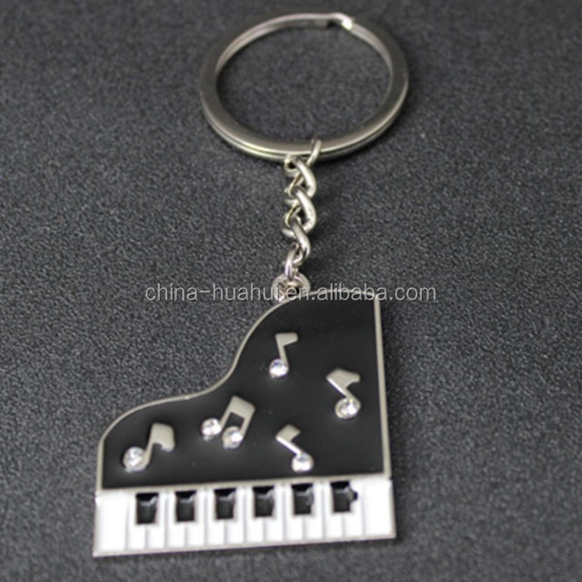 2018 new fashion key chain custom logo made colorful piano keychain, metal 3d piano keyring for sale
