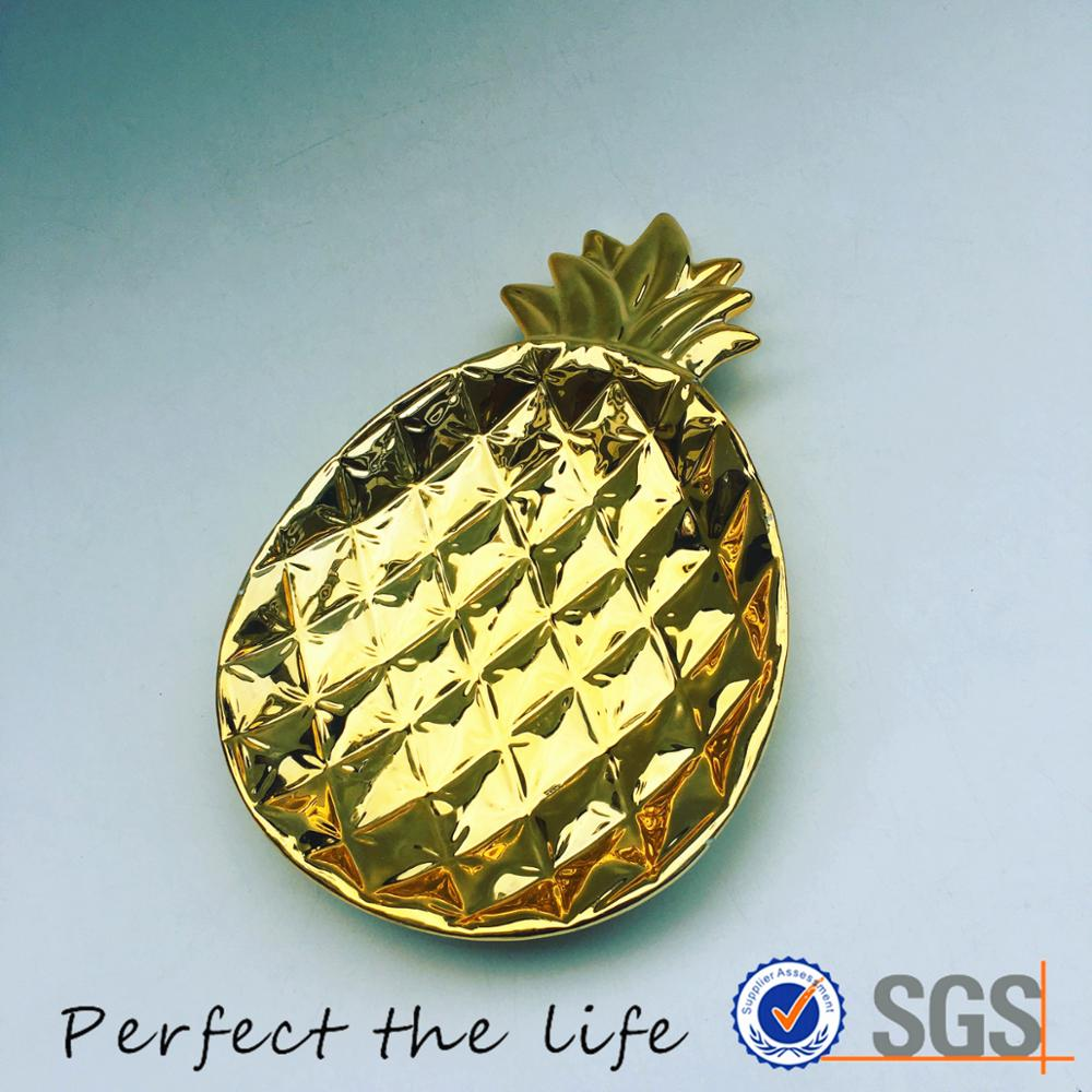 Gold ceramic porcelain pineapple shaped fruit dish and plate