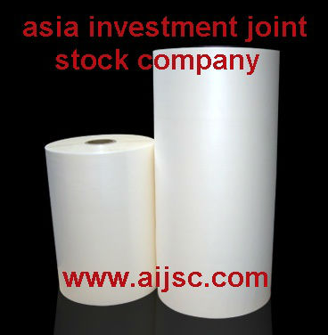White airlaid paper in bales and rolls