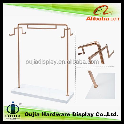 different colour steel round pipe hangers for shop furnitures with wood base stand