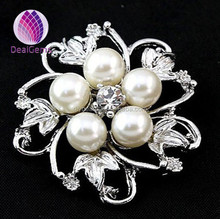 2015 fashion alloy with white pearl beautiful brooch