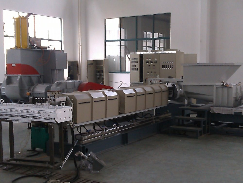 plastic and rubber crude sheet extruder