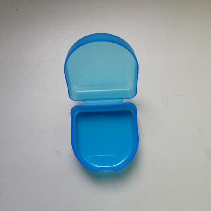 Teeth whiteing blue plastic mouth tray case