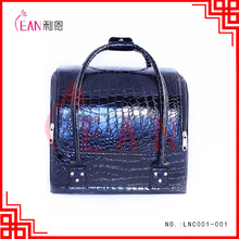 2017 new design shiny black PU professional cosmetic case in stock