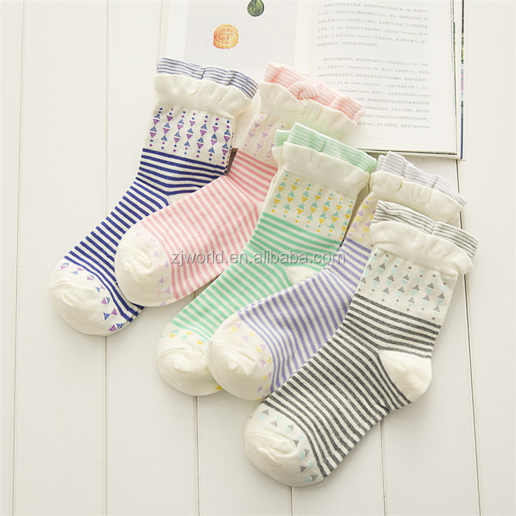 World Literary and artistic cotton young lace anti-bacterial socks cotton girl