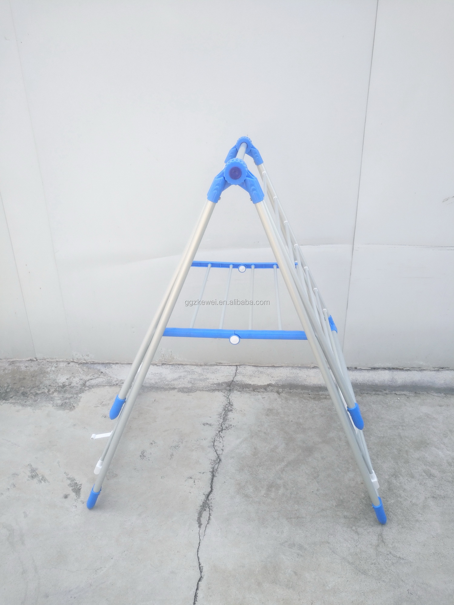 Folding metal clothes drying  Rack with durable plastic jointed parts in blue, factory wholesale