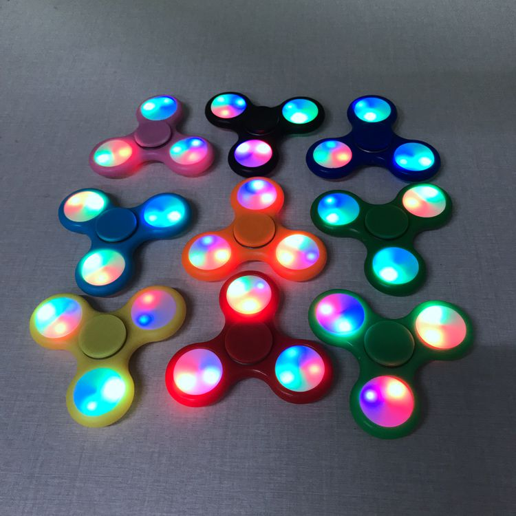 2017 popular CE RoHS colorful switch control LED hand fidget spinner
