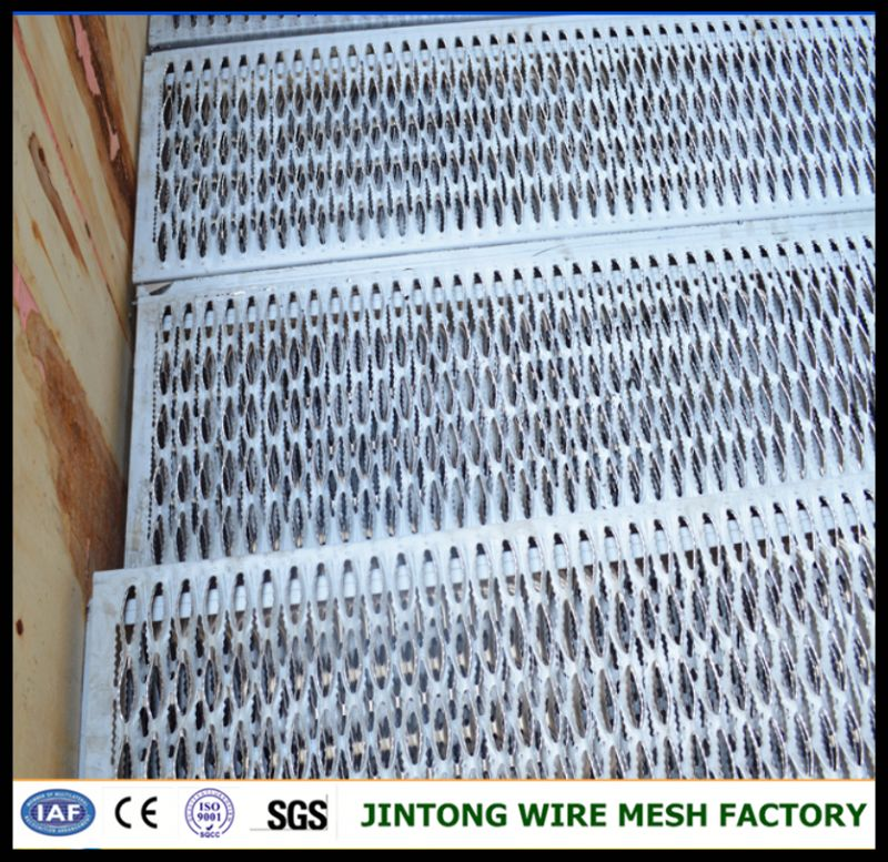 polishing stainless steel/anti skid stair tread gratings/safety steel deck grating
