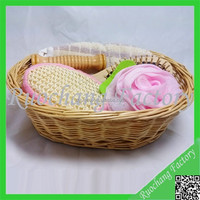 Wholesale Bathroom 5pcs bath gift set in Willow basket