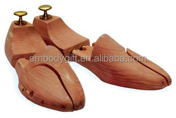Wal Mart Factory Audit Wholesale customized American aromatic cedar wooden shoe treesfor men and women