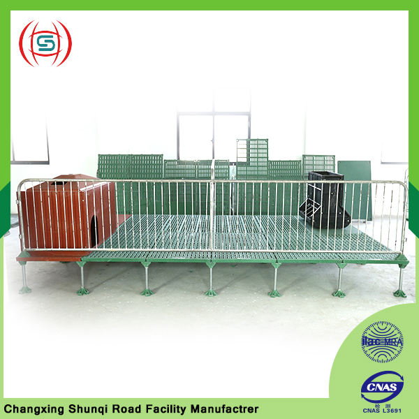 China supplier wholesale pig cage equipment used for pig farrowing crate