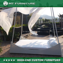 unique outdoor wicker rattan double day bed with muslin cover