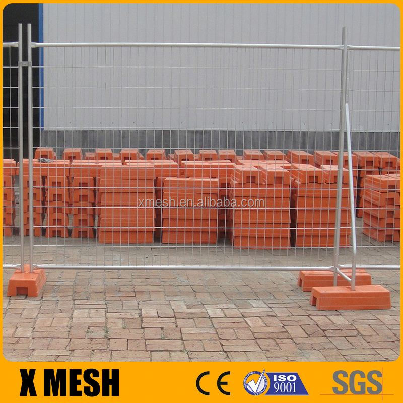 Hot dipped galvanized 2400x2100mm temporary fence panels with concrete block and clamps for Australia