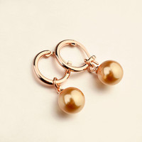 Italina Rigant Pearl earring of double sided pearl earring jewelry contract manufacturing for women