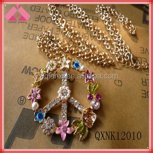 Fashion European and American retro sweater chain diamond flower steering wheel (QXNK12010)