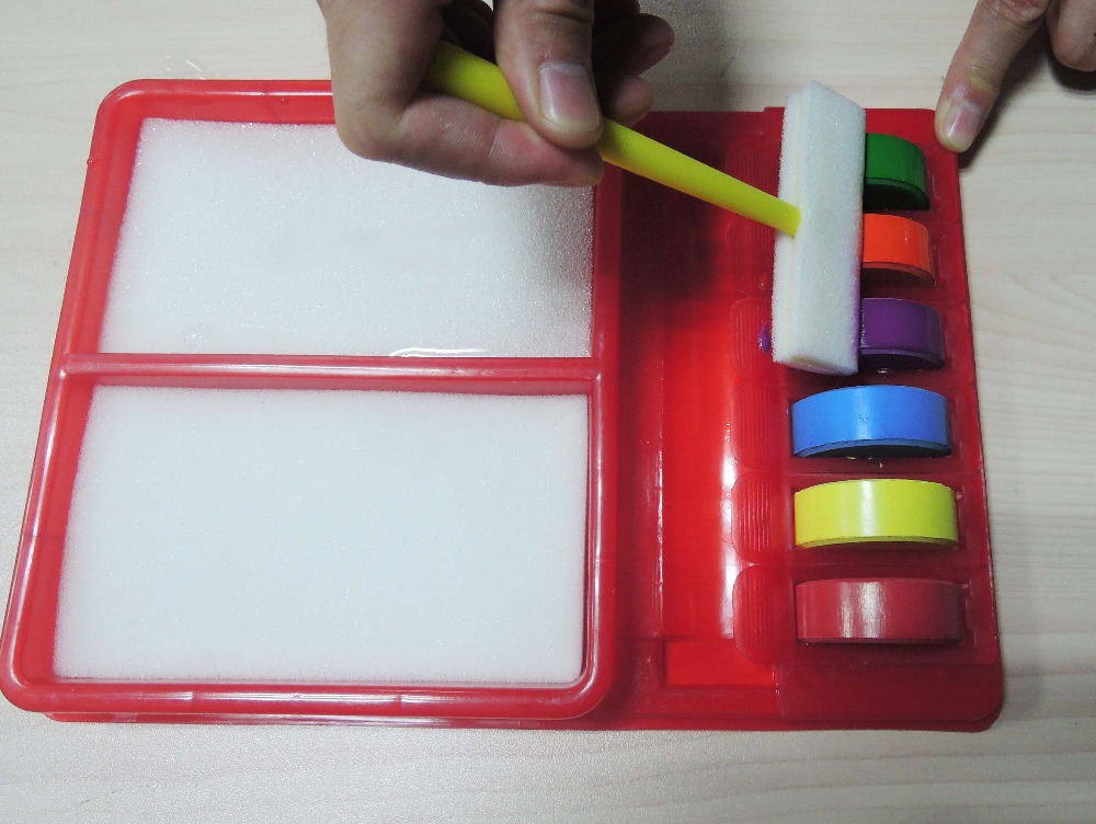 Rainbow Art Set With Handy Plastic Box