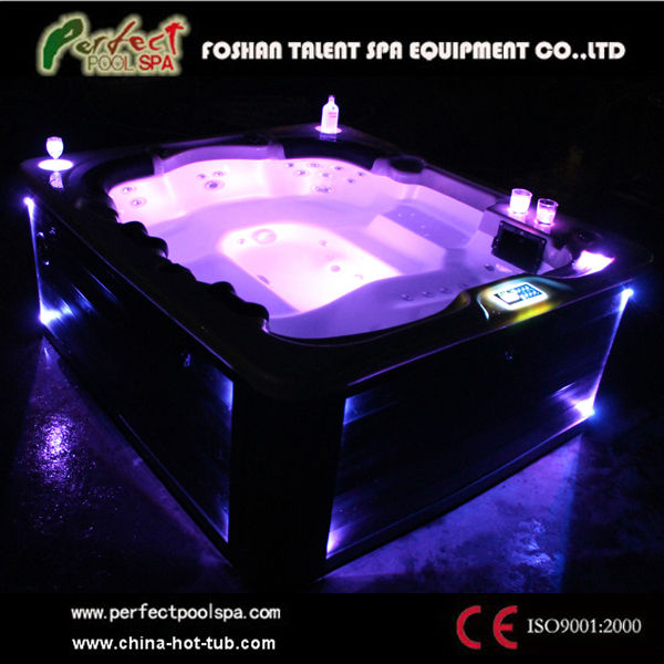 Newly design 4 person outdoor whirlpool with 7 color LED light