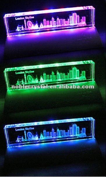 3D Laser Engraved London Crystal Souvenirs With Lighted Base Crystal Gifts