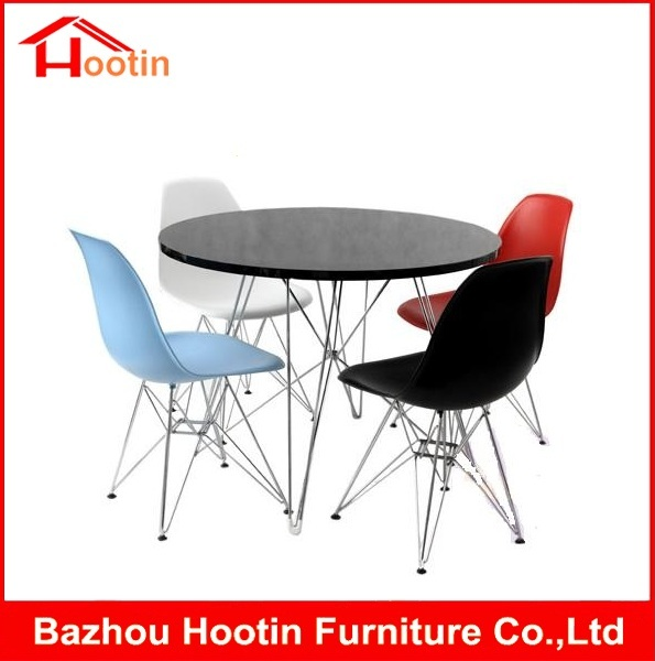 New Design 4 Seaters Round Wood Table Dining Set Plastic Chair For Sale