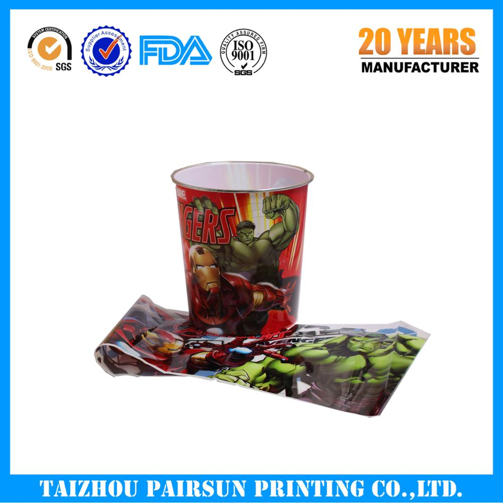 Injection molding in mold label for plastic cups
