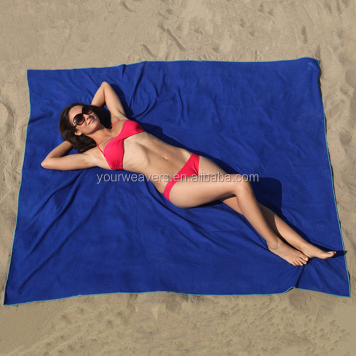 64x76inches Wholesale Outdoor Portable Light Weight Sand Free Picnic Sports Large Microfiber Beach Blanket with Pockets