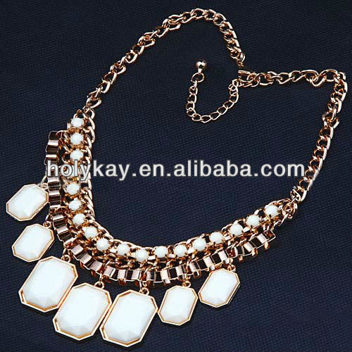 New arrival woman accessories by major, fashion christmas custome jewelry white plastic bead necklace for women