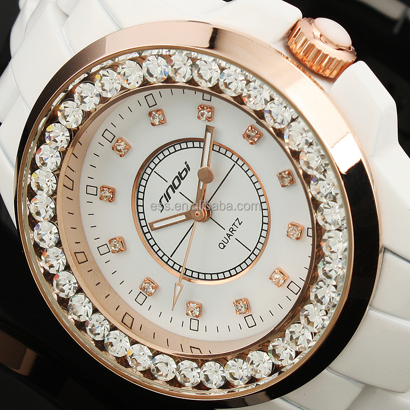 Made in China fashion gold chain watch women geneva watch vintage bracelet watch LD109