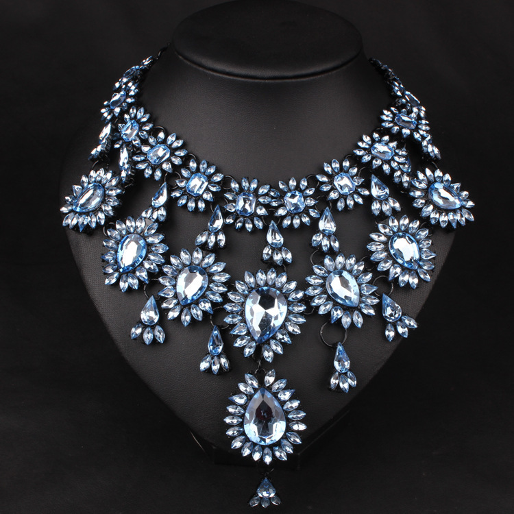 Fabulous statement necklace amazing crystal statement necklace statement costume necklace