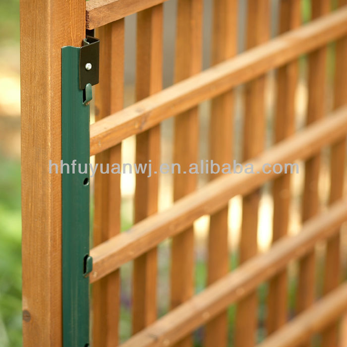 U style fence post for wooden fence