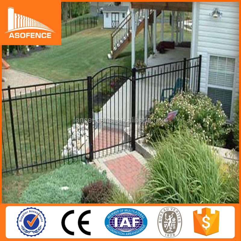China supplier high quality galvanised tubular steel fencing/iron steel fence/picket top steel fences