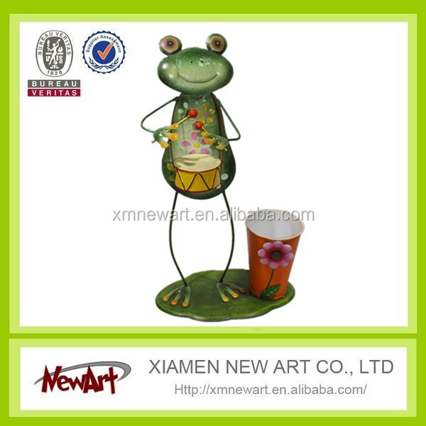 Latest new design hot selling garden decoration plants metal pot with frog