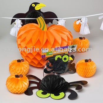 Halloween ornaments and gifts