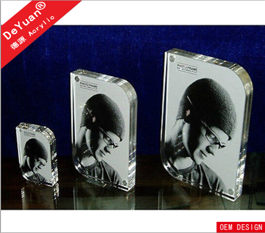 Lastest design of 20mm thick magnetic plastic acrylic photo frame