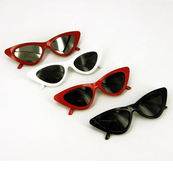 Retro Vintage Style Red Black White Cat Eye Sunglasses 50s/60s Hen Party woman