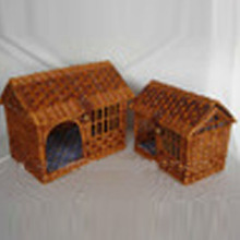 Willow wicker pets/dogs/cats baskets house
