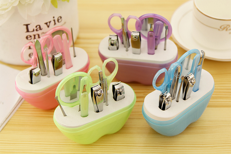 Wholesale Apple Manicure Portable Nail Set Factory Supply