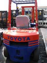 Toyota 2 ton used forklift diesel engine good condition