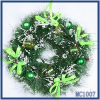 High quality wholesale fast delivery christmas wreath decorations green christmas ball indoor christmas wreath