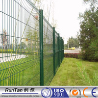 Powder coated wire mesh fence specification in china