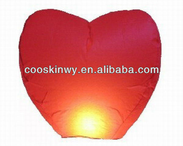 Beautiful heart shaped resistant small sky lantern