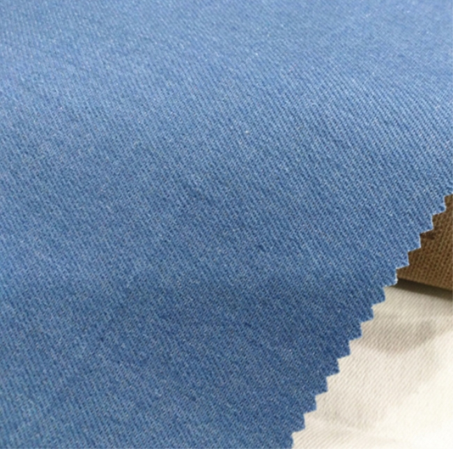 Rolls of raw recycled denim fabric in China