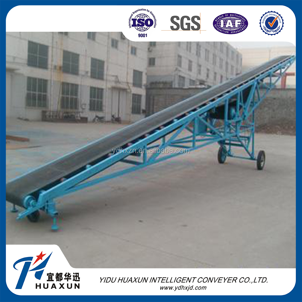 Mobile belt conveyor with adjustable height