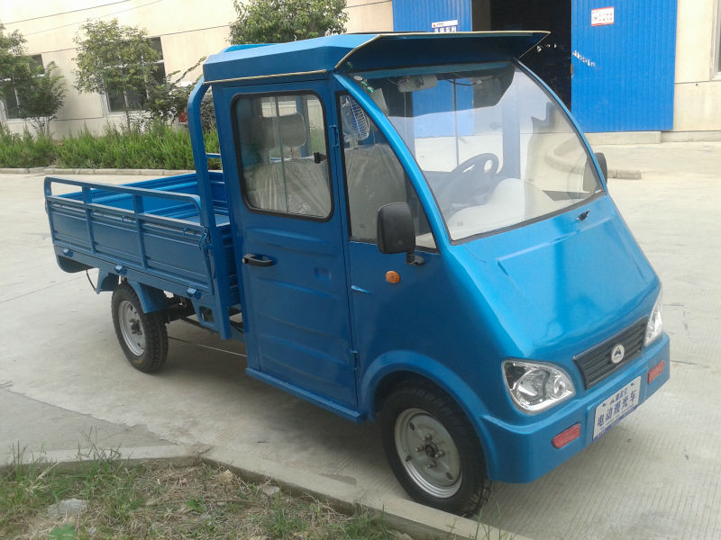 electric battery charger truck cargo tricycle with close cabin