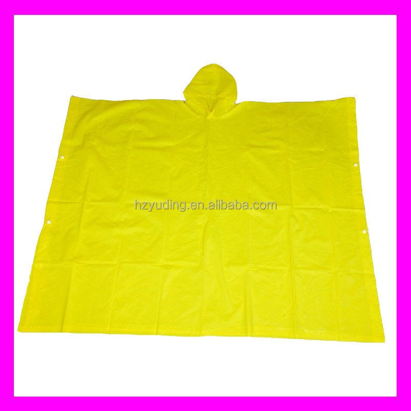 2014 New arrival Fans Cheap Ride Burberry Portable Outdoor plastic rain poncho/pvc hooded rain cape poncho for adults