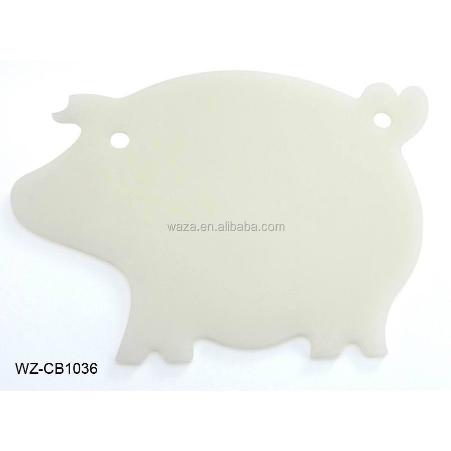 Pig animal shaped cutting board