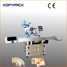 Flat labeling type scratch card plastic tag sticker label applicator attaching machine