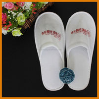 100% Cotton Towel Fabric Customized Embroidery Logo Cheap Hotel Slippers