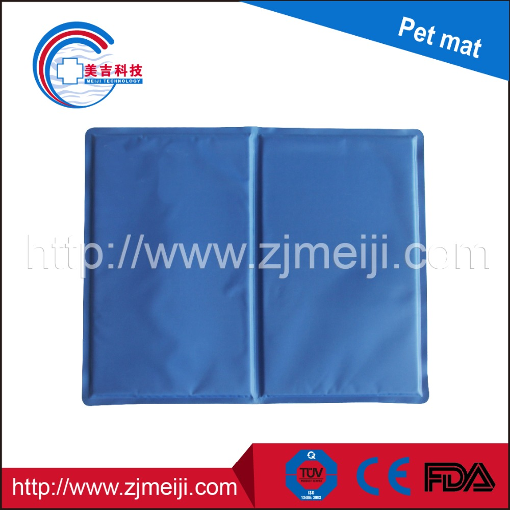 Custom logo Re-useable self-cooling waterproof dog cooling gel pad pet cool pad