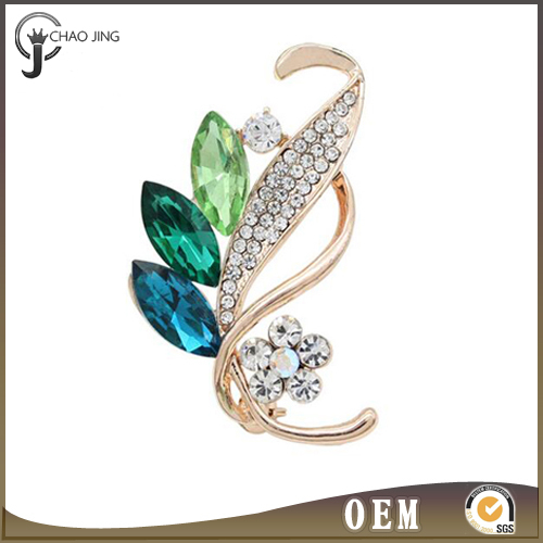Latest fashion elegant handmade hot shape metal alloy brooch hijab pins made with crystals in stock